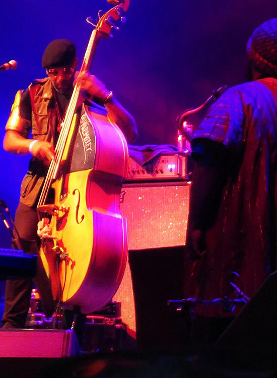 Kamasi Washington (Band)